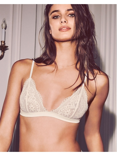Бралеттка  Victoria's Secret Crochet Lace Triangle Bralette White